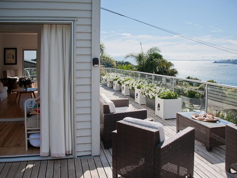 waiheke holiday home accommodation rental oneroa waiheke island new zealand