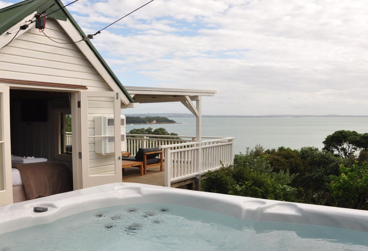 Waiheke Accomodation Settlers Hut 20180213 50